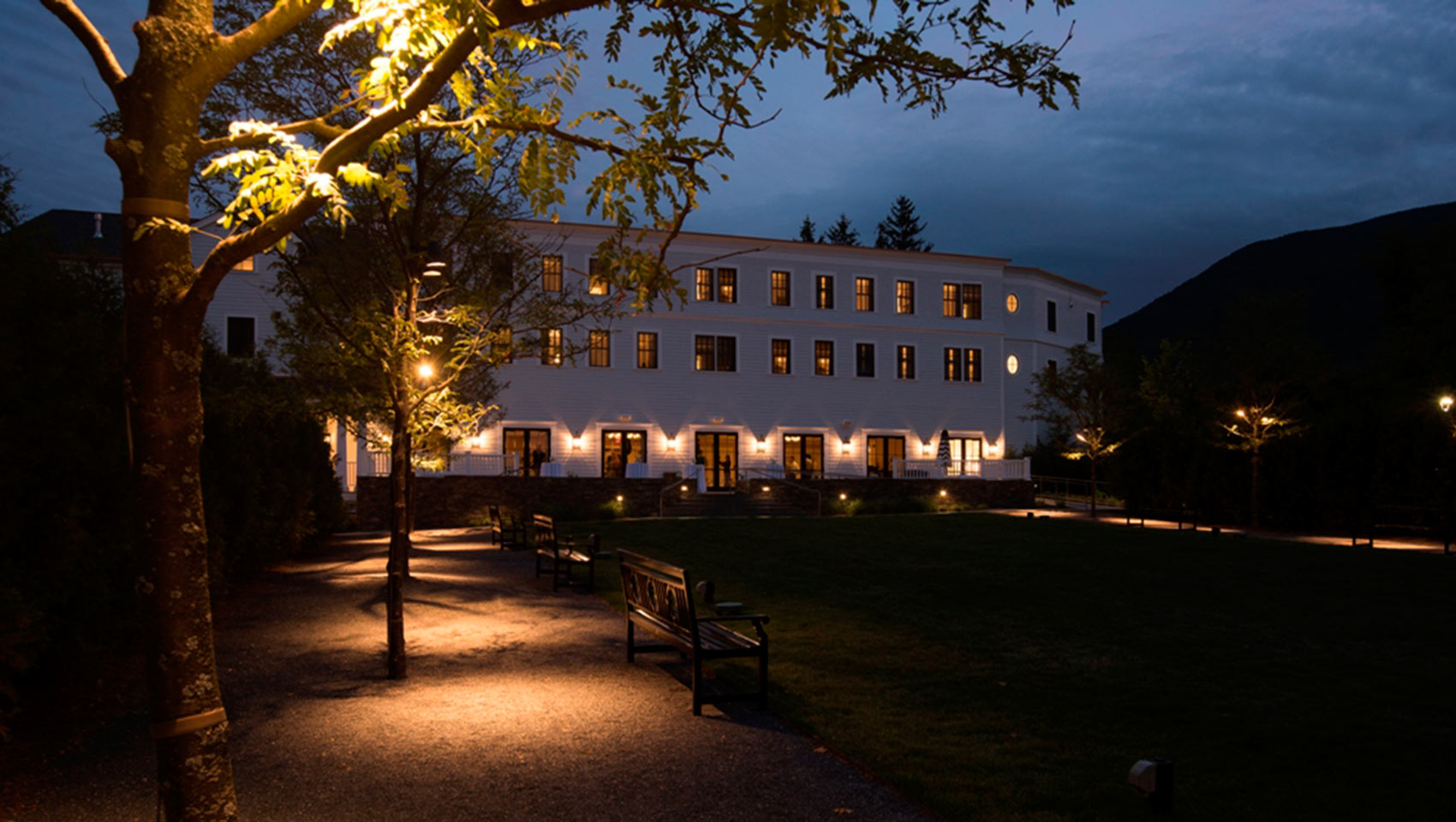 Taconic Hotel Green at Night